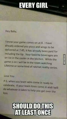 Cô gái làm mọi chàng trai thèm muốn khi 'tẩm bổ' cho người yêu chơi game | HDgame