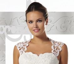 30c0846292ccc Removeable Venice lace appliqué straps with scallop edges. Would be a  lovely addition to your