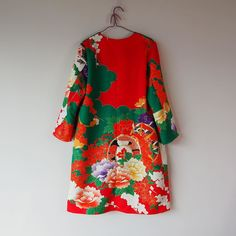 出来ました長い道のりでした #kimono #kimonofashion #craftsmanship #upcycledfashion #upcycledclothing #refashion #rikashioyaboutique #creema #oneoff #oneofakind #handmade #etsy #着物 #着物リメイク #銘仙 #世界にひとつだけ #世界に一つ Yukata Kimono, Kimono Fabric, Kabuki Costume, Cute Kimonos, Oriental Fashion, Japanese Kimono, Outerwear Women, Everyday Fashion, Summer Outfits