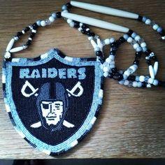 Raiders medallion Raiders Football, Oakland Raiders, Beading Ideas, Beading Projects, Native American Beading, Native American Art, Embroidery Ideas, Beaded Embroidery, Plastic Canvas Books