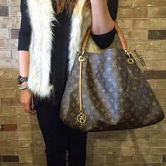 Louis Vuitton Artsy MM just in! Call us at 813-258-8800 if you would like to…