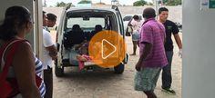 Vídeo: Moradores socorrem vítima de acidente por falta de SAMU
