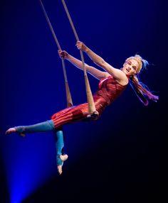 Kooza trapeze