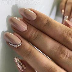 18 klassische Nageldesigns, Ongles Manicure , Nagel Design Source by madamefrisuren Hot Nails, Nude Nails, Nail Manicure, Hair And Nails, Coffin Nails, Diy Ongles, Nail Art Strass, Classy Nail Designs, Classic Nails
