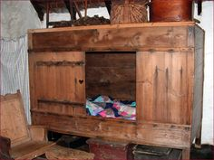 Traditional homes were small, but families large. This box bed would keep out the draughts. Older children may have slept in the loft. Alcove Bed, Bed Nook, Bedroom Sets For Sale, Beds For Sale, Bunk Beds Built In, Kids Bunk Beds, Medieval Bed, Murphy Bed Plans, Bed In Closet