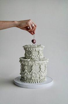 Pretty Birthday Cakes, Pretty Cakes, Beautiful Cakes, Amazing Cakes, Beautiful Cake Designs, Cupcakes, Cupcake Cakes, Shoe Cakes, Small Wedding Cakes