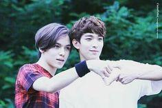 Dos de mis tres bias Vernon y Dokyeom♡