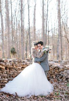 gold winter wedding | Gold winter wedding inspiration | Styled Shoots | 100 Layer Cake