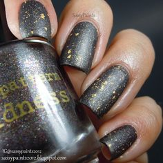 Sassy Paints: Nail Pattern Boldness: Matte Gruß vom Krampus with gold flakes
