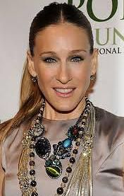 Jewelry Trends - Sarah Jessica Parker Wearing Layers of Necklaces – April 2008 - accessories organizer Sarah Jessica Parker, Carrie Bradshaw, Jewelry Sites, Jewelry Trends, Fashion Necklace, Fashion Jewelry, Celebrity Jewelry, Celebrity Pics, Celebrity Beauty