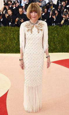 Anna Wintour in a Chanel gown at the 2016 Met Gala