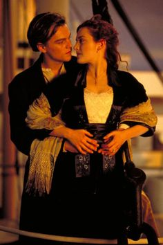 A gallery of Titanic publicity stills and other photos. Featuring Kate Winslet, Leonardo DiCaprio, James Cameron, Billy Zane and others. Rms Titanic, Film Titanic, Titanic Movie Facts, Kate Titanic, Titanic Kate Winslet, Jack Dawson, James Cameron, Satan, Leo And Kate
