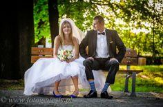 Kolorowe buty i skarpety do ślubu
