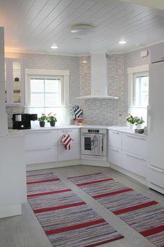 Corner Sink Kitchen, Kitchen Banquette, Rustic Kitchen Cabinets, Kitchen Room Design, Luxury Kitchen Design, Kitchen Layout, Interior Design Kitchen, Kitchen Decor, Küchen In U Form