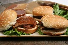 Marinated Beef on a Bun Beef Barley Soup, Beef Noodle Soup, Beef And Noodles, Wing Recipes, Beef Recipes, Snack Recipes, Dessert Recipes, Desserts, Marinated Beef