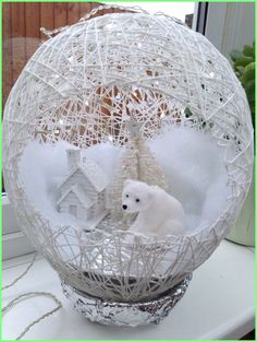 In this DIY tutorial, we will show you how to make Christmas decorations for your home. The video consists of 23 Christmas craft ideas. Easy Christmas Crafts, Diy Christmas Ornaments, Christmas Projects, Simple Christmas, Christmas Wreaths, Christmas Design, Fall Crafts, White Christmas, Christmas Ideas
