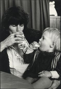 Love me some Keith! Keith Richards and son Marlon. Rolling Stones Music, Like A Rolling Stone, Keith Richards, Rock N Roll, Aurelie Bidermann, Ron Woods, Ronnie Wood, Charlie Watts, All Nature