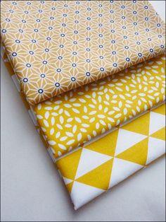 Lot de 3 coupons fat quarter, tissu coton imprimé triangles, motifs japonais étoiles tendance scandinave : Tissus Habillement, Déco par la-mercerie-d-elyzza