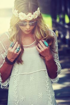 So cute this is totally my style! I'm trying to make a flower headband! I think there so cute! So BoHo chic