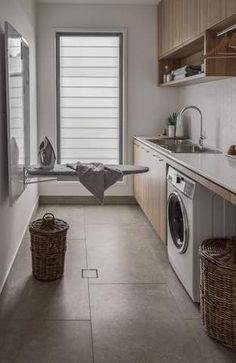 Zephur Stone Beach House Laundry