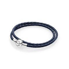 7bef148f5692 Pulsera Moments en cuero trenzado doble azul marino para charms. Pandora ...