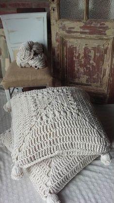Crochet Cushion Cover, Crochet Cushions, Crochet Pillow, Crochet Stitches, Crochet Patterns, Crochet Blocks, Afghan Patterns, Blanket Crochet, Unique Crochet