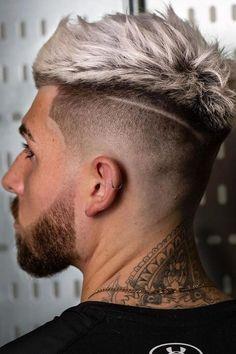 Quiff Fade ❤ #lovehairstyles #menshair #hairstylesformen #menshaircuts High Skin Fade, Curly High Top Fade, Mens High Fade, Fade Haircut Styles, Short Fade Haircut, Short Hair Undercut, Crop Haircut, Beard Styles, Hair Styles