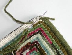 to whip the edge of a hooked rug How to whip a hand hooked rug tutorial- includes a trick for nice corners. Have you tried this method?How to whip a hand hooked rug tutorial- includes a trick for nice corners. Have you tried this method? Rug Hooking Designs, Rug Hooking Patterns, Penny Rugs, Shaggy Cushions, Shaggy Rugs, Latch Hook Rugs, Rug Inspiration, Hand Hooked Rugs, Primitive Hooked Rugs