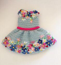 "186 Likes, 13 Comments - Mary Arakelyan (@mary_fancy_crafts) on Instagram: ""Тадааам!!! Платье для куклы!!! #кукла #crochetaddict #кукларучнойработы #портретнаякукла #doll…"""