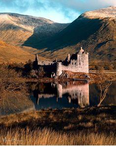 Kilchurn Castle am Loch Awe, Schottland - Bilder Pins Scotland Castles, Scottish Castles, Beautiful Castles, Beautiful Places, Outlander, Places To Travel, Places To See, Castle Ruins, Abandoned Castles