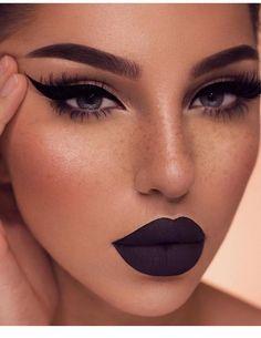 dark makeup Make Up; Make Up Looks; Make Up Augen; Make Up Prom;Make Up Face; Eye Makeup Blue, Heavy Makeup, Glam Makeup, Makeup Light, Dark Makeup Looks, Makeup With Dark Lips, Rihanna Makeup, Glamorous Makeup, Full Face Makeup