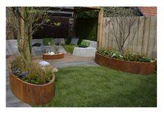 Als wij gaan verhuizen dan wil ik zo'n eco tuin met corten staal plantenbakken!! Gezien bij eigen huis & tuin.
