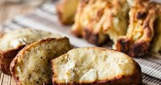 Greek feta cheese bread by Greek chef Akis Petretzikis. Make easily this traditional recipe for the most mouthwatering cheese breads with feta and coriander! Protein Smoothie Recipes, Yogurt Smoothies, Healthy Yogurt, Cheese Bread, Greek Recipes, Feta, Snacks, Cooking, Breakfast