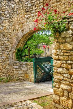(Provence, France) Le mur de pierre by LeThorois Photographie Patrick LeThorois on 500px