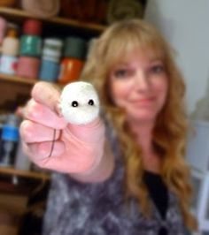 Foxtail Creek Studio: Needle Felting Tutorial: Using glass eyes with loops