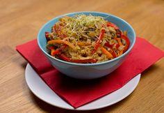 Kínai zöldséges pirított tészta Wok, Japchae, My Recipes, Chili, Ethnic Recipes, Chile, Chilis, Woks