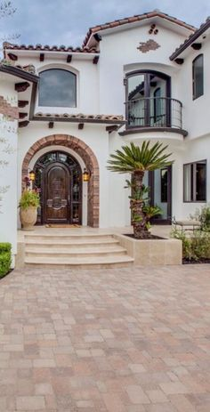 51 Amazing Decoration Italian Villa With Tuscan Design Get an Ideas Amazing Decoration Italian Villa With Tuscan Design Ideas 12 You are able to see photos of the way the villa looks today here! Villas are stocked with whatever y… Villa Design, Home Design, Design Patio, Exterior Design, Design Ideas, Exterior Paint, Spanish Revival, Spanish Style Homes, Spanish Colonial
