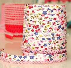This is absolutely adorable bias tape! It would make a great final touch on so many sewing projects!