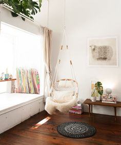 Use Weird Corners Small Apartments | 10 easy ways to use every corner of your apartment — even the weird ones! #refinery29 http://www.refinery29.com/weird-corner-space-apartment-decor