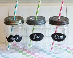Plastic Mason Jars with daisy lids and chalkboard labels. Wedding mason jars, wedding favors, mason jar drink jars, mason jar cups, cherishedblessings.etsy.com