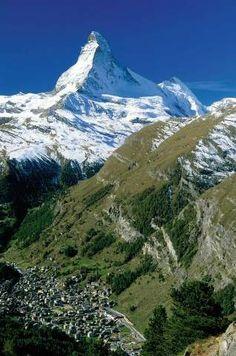 Blick auf Zermatt mit Matterhorn, Kanton Wallis, Alpen, Schweiz