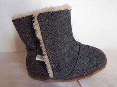 Robeez Morgan 12-18 months soft sole booties, Boots, slip on faux fur, Nice cond #Robeez #Boots
