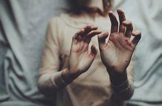 luna-nueva:  Dark rituals. by laura makabresku on Flickr.