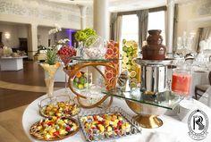 Bufet owocowy z #fontannaczekoladowa.  #RezydencjaHotel #wesele #czekolada #owoce #wedding #bufet #bufetweselny #culinary #food #restaurant #restauracja #luxury #besthotel #hotel #Poland #luxurious #luxurylife
