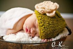 Cute, itty bitty knit hat #flower