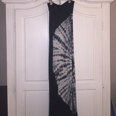 Super comfy never worn navy blue maxi skirt Adorable like tye dye design skirt. Skirts Maxi