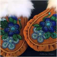 Native Beading Patterns, Beadwork Designs, Indian Beadwork, Native American Beadwork, Bead Jewellery, Seed Bead Jewelry, Bead Embroidery Jewelry, Beaded Embroidery, Beaded Moccasins