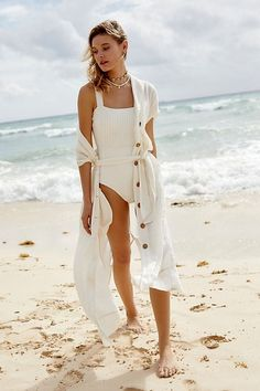 Dressing Up for Spring with Free People Summer Fashion Tumblr, Summer Fashion Outfits, Trendy Outfits, Travel Outfits, Spring Fashion, All White Outfit, White Outfits, White Beach Cover Up, Chelsea