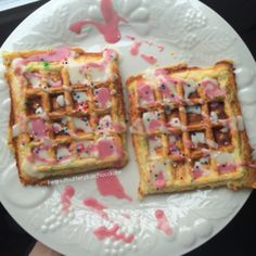 Protein Waffles, Protein Foods, Cake Batter Waffles, Beetroot Powder, Vanilla Protein Powder, Waffle Recipes, Vanilla Cake, Icing, Almond