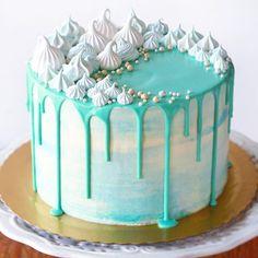 The Cookie Shop - Bolos Decorados Cake Decorating Frosting, Cake Decorating Designs, Creative Cake Decorating, Birthday Cake Decorating, Cake Decorating Techniques, Creative Cakes, Cake Designs, Homemade Birthday Cakes, Beautiful Birthday Cakes